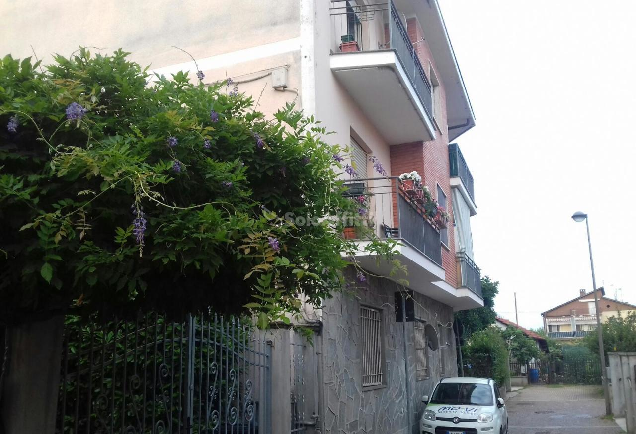 Trilocale in ottime condizioni in affitto Rif. 10412601