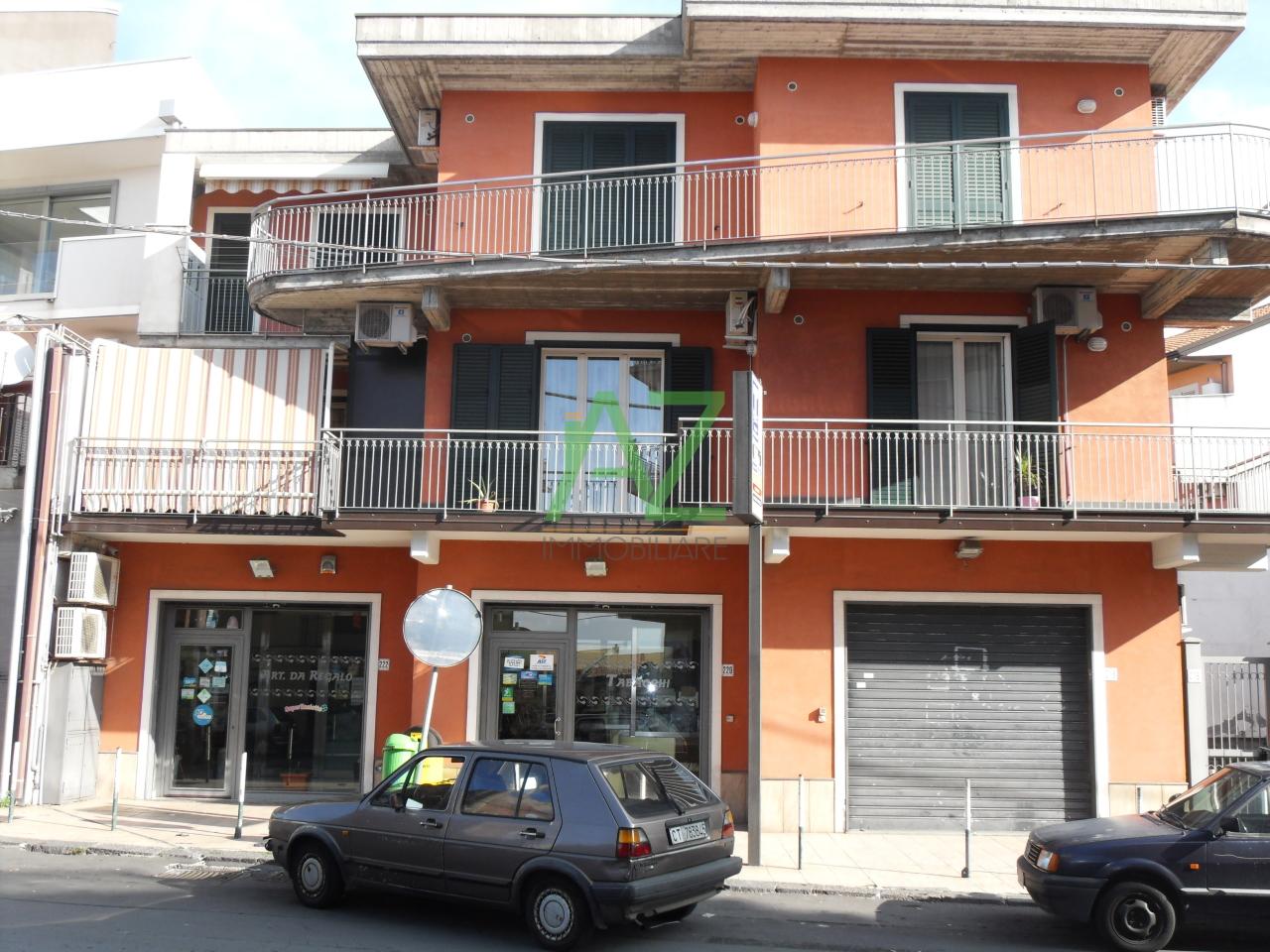 Appartamento in buone condizioni in vendita Rif. 6678562