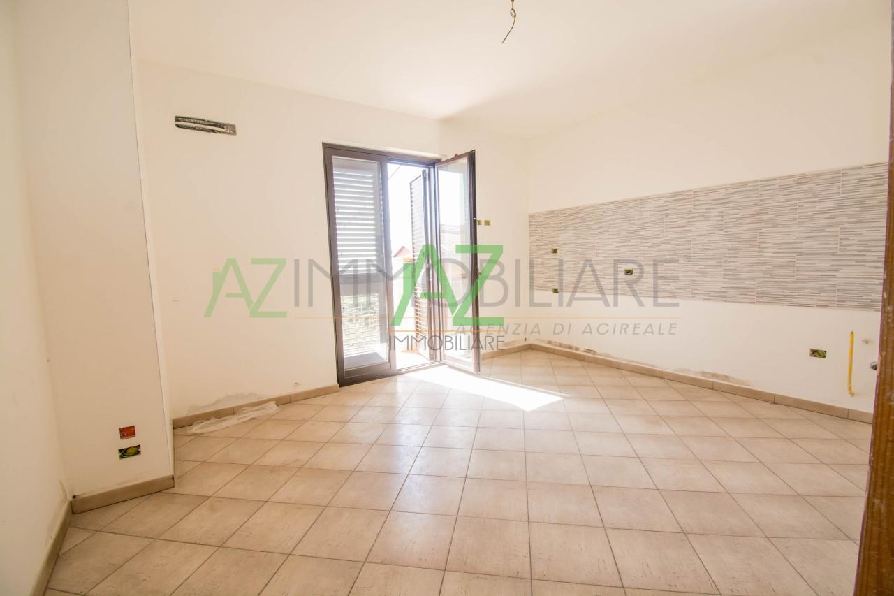 Appartamento in vendita a Acireale, 4 locali, prezzo € 130.000 | PortaleAgenzieImmobiliari.it