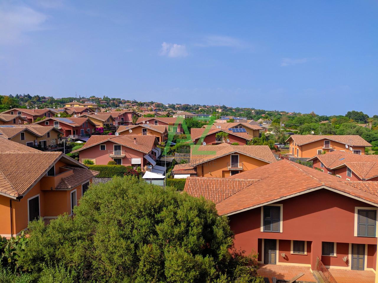 Appartamento da ristrutturare in vendita Rif. 10459017