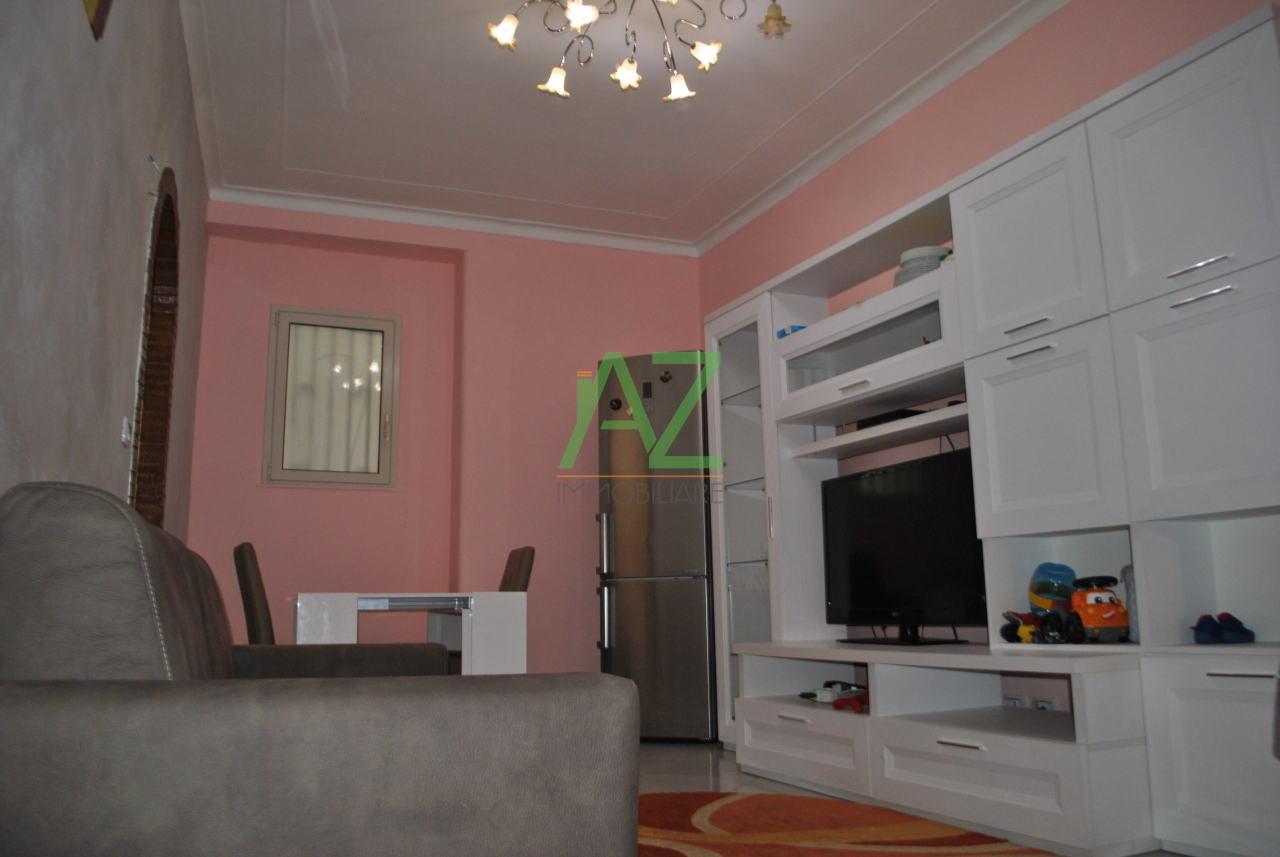 Appartamento in ottime condizioni arredato in affitto Rif. 6930594