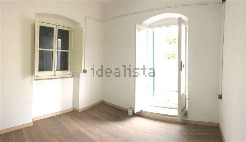 Soluzione Semindipendente in affitto a Sarzana, 2 locali, prezzo € 500 | CambioCasa.it