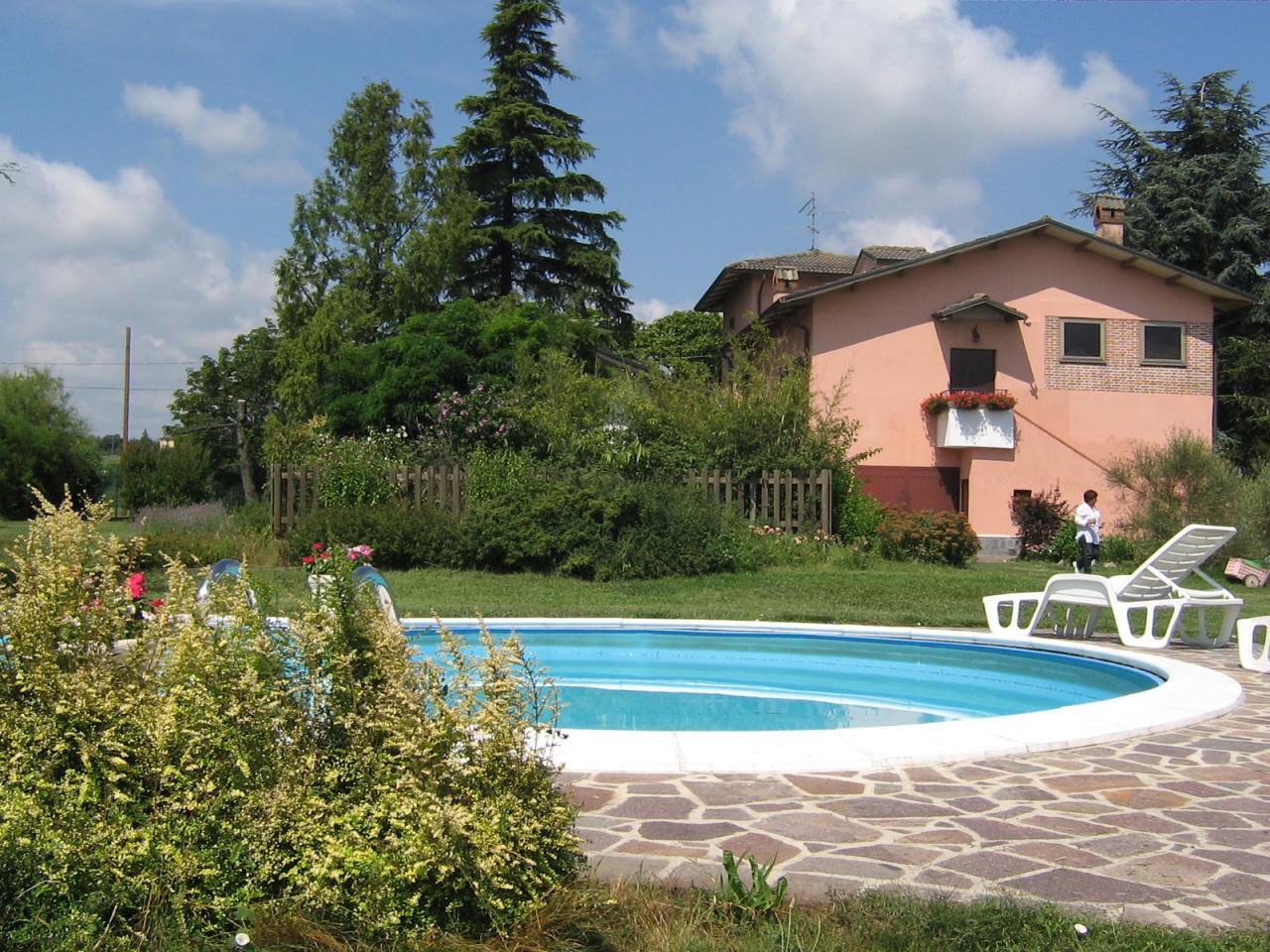 Villa in buone condizioni in vendita Rif. 8266519