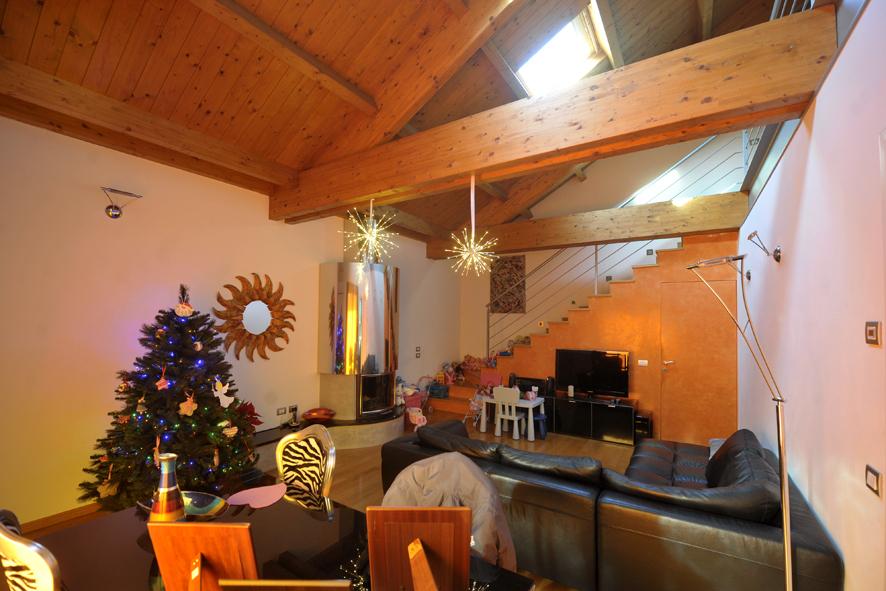 Porzione di casa in ottime condizioni in vendita Rif. 11045161