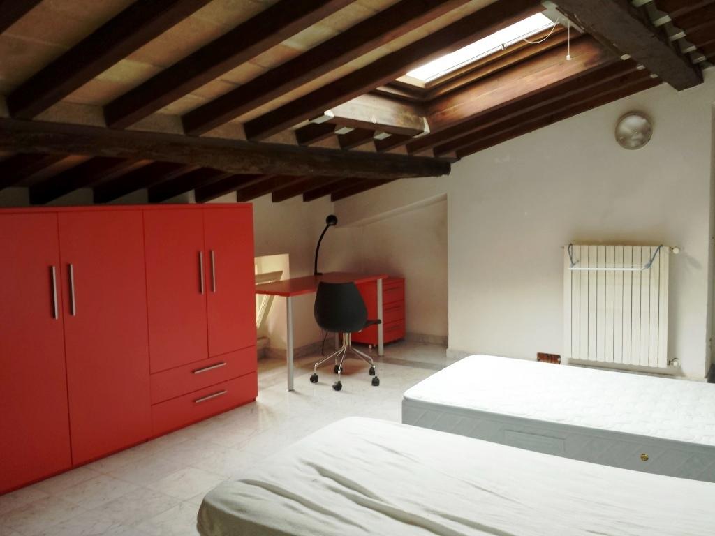 Stanza / posto letto in buone condizioni in affitto Rif. 6770143