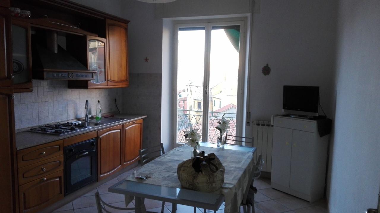 Appartamento in buone condizioni arredato in vendita Rif. 8801828