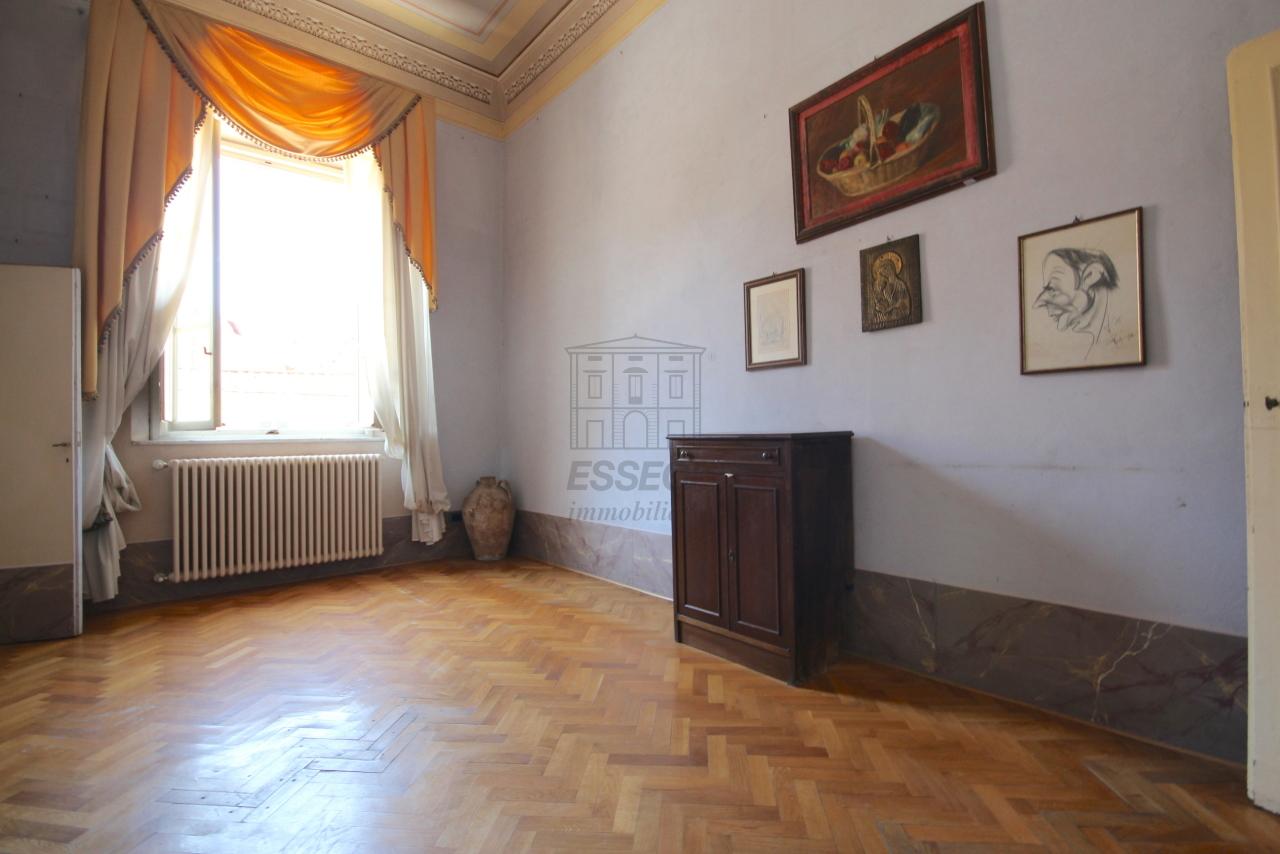 Appartamento Lucca Centro storico IA03358 img 24