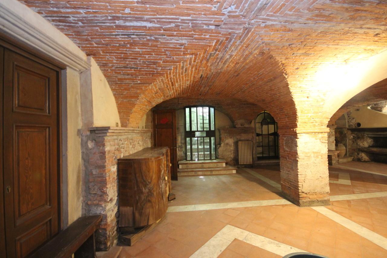 Appartamento Lucca Centro storico IA00538 img 19