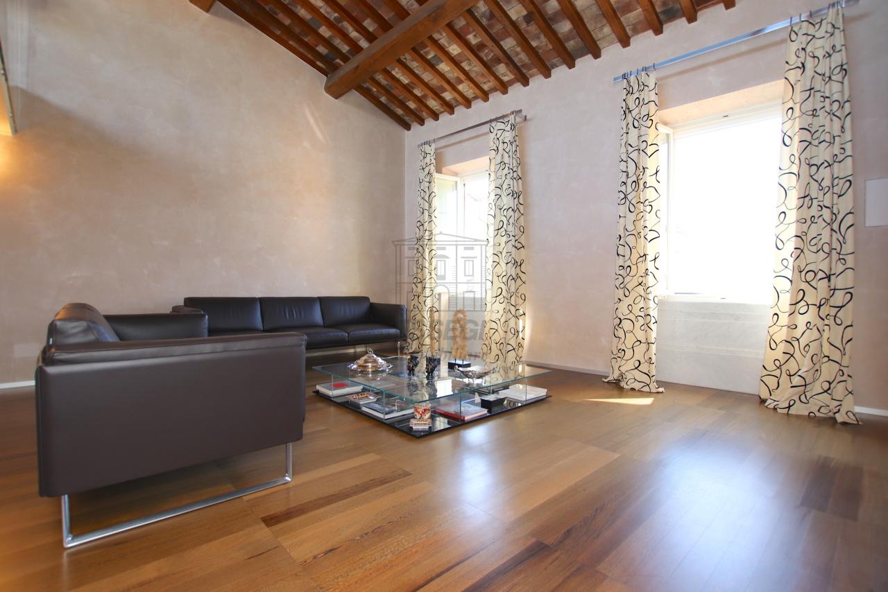 Appartamento Lucca Centro storico IA03502 img 4
