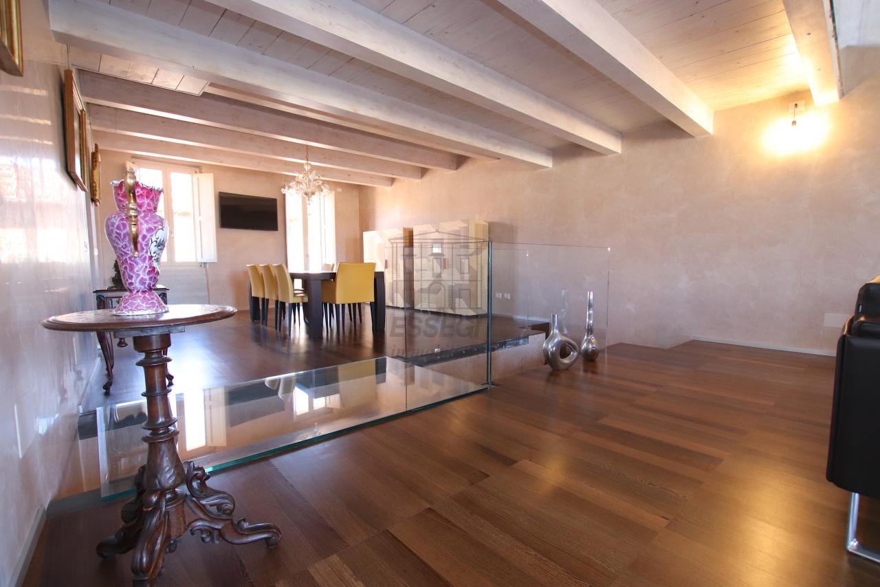 Appartamento Lucca Centro storico IA03502 img 5