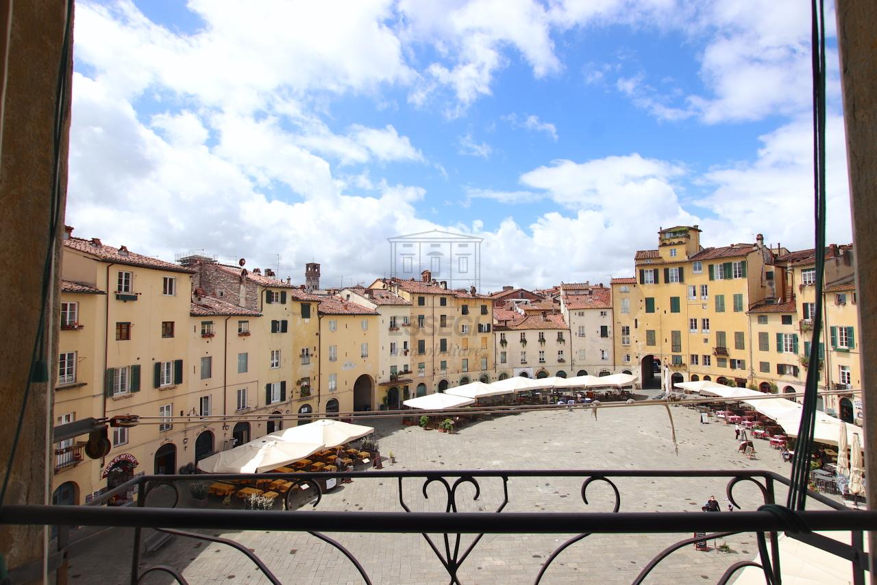 Appartamento Lucca Centro storico IA03538 img 14