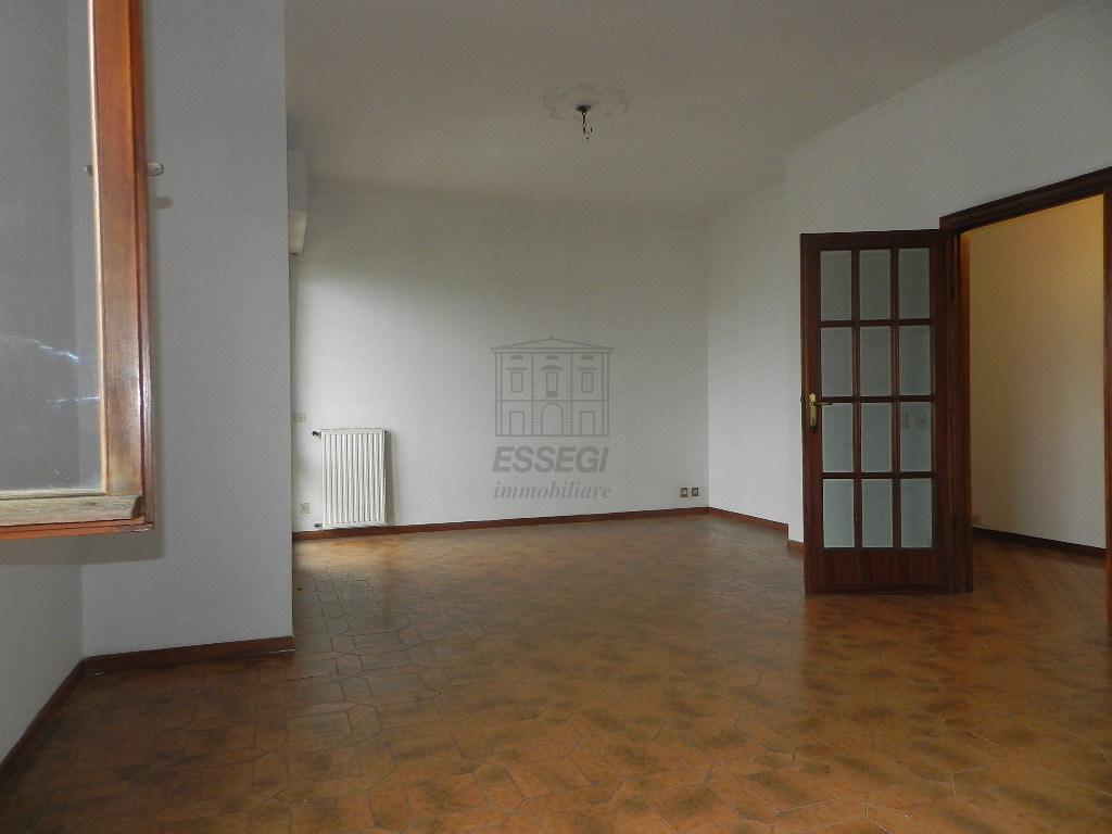Appartamento Lucca S. Concordio IA03453 img 3