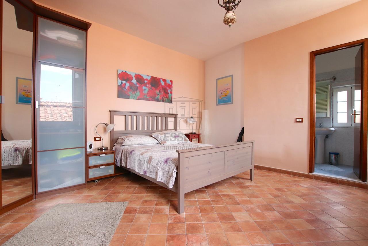 Appartamento Lucca Centro storico IA03545 img 24