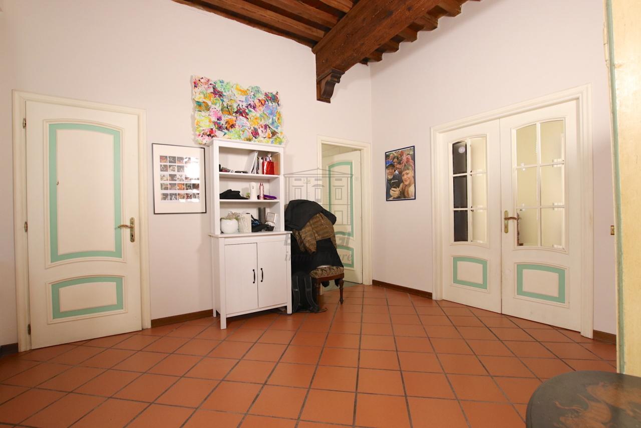 Appartamento Lucca Centro storico IA00362 img 4
