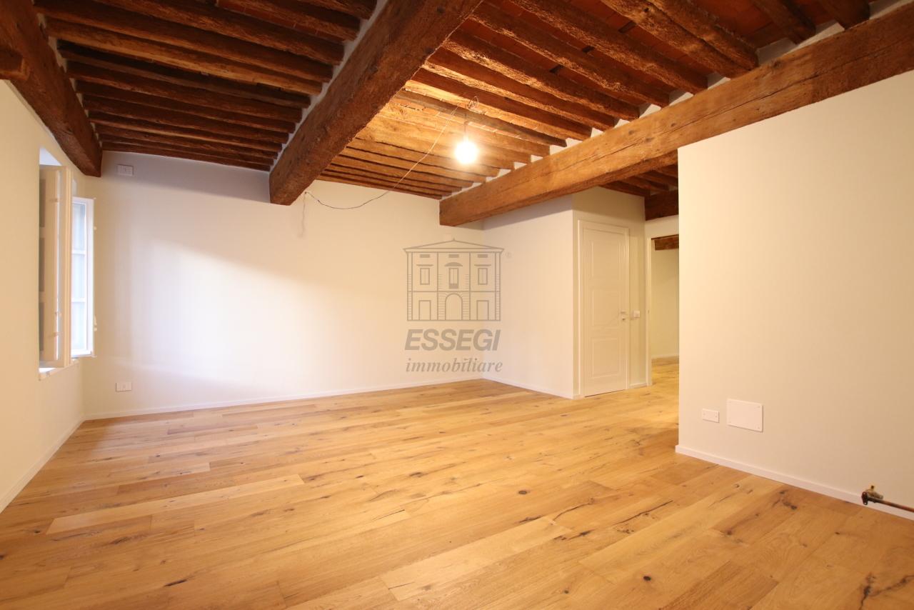 Appartamento Lucca Centro storico IA03520 img 23