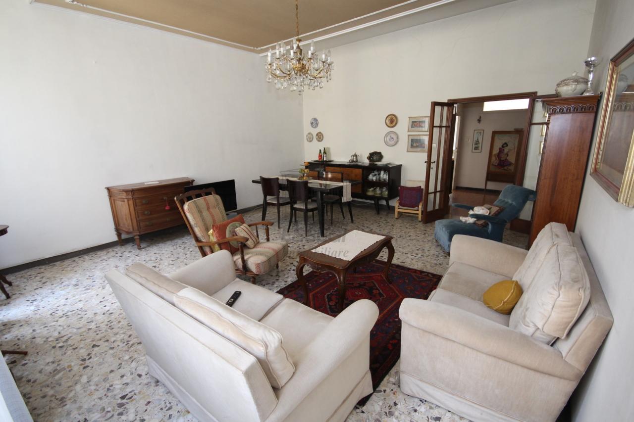 Appartamento Lucca Centro storico IA02899 img 14