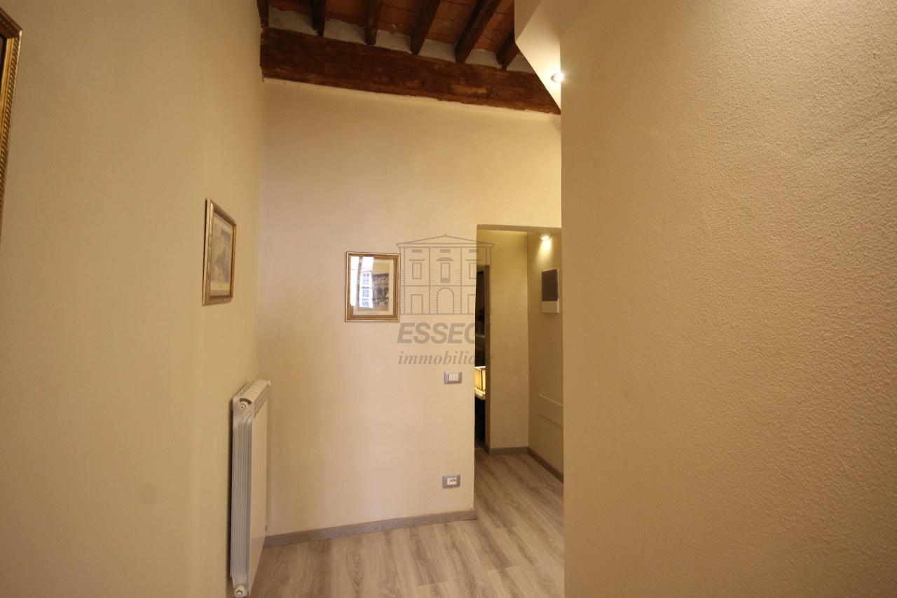 Appartamento Lucca Centro storico IA03481 img 12