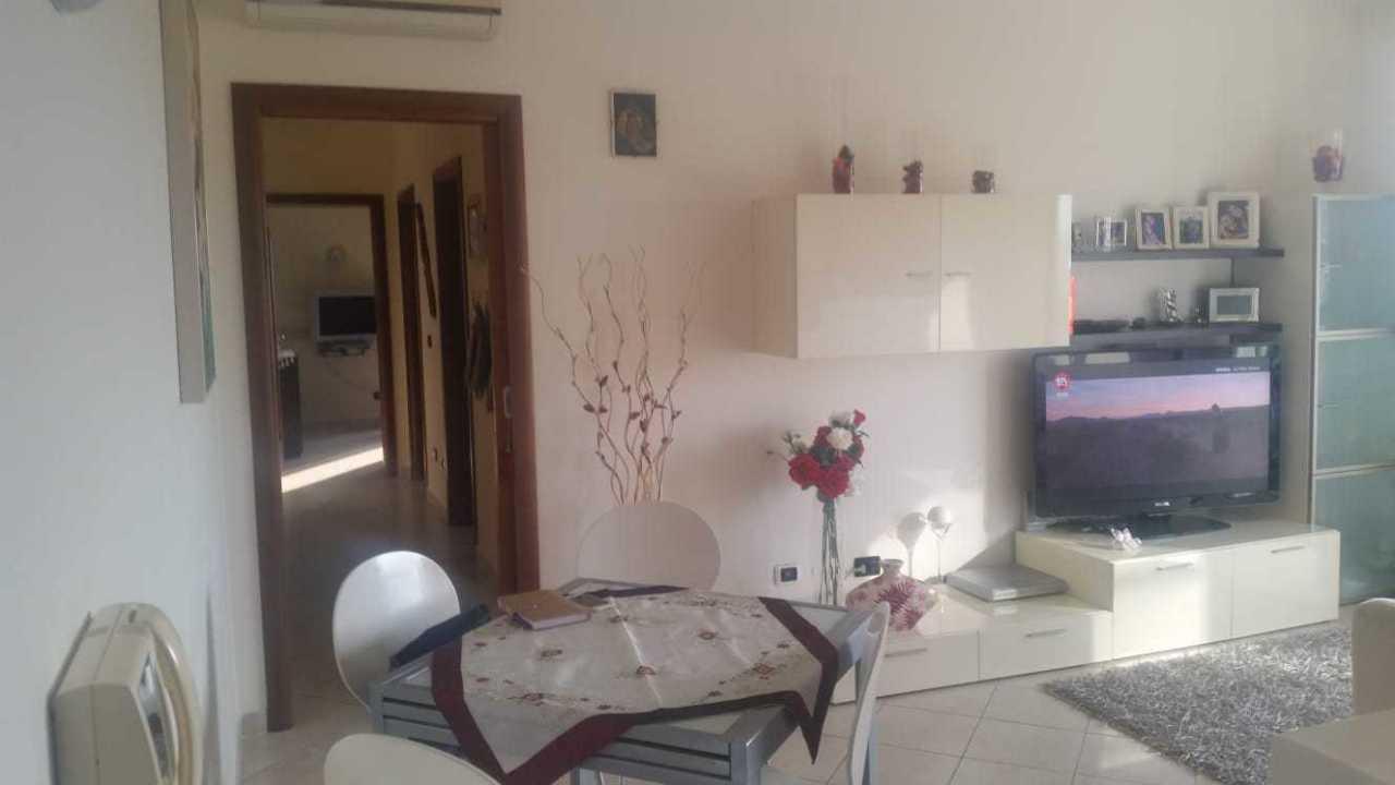 Appartamento in vendita a Reggio Calabria, 3 locali, prezzo € 90.000 | CambioCasa.it