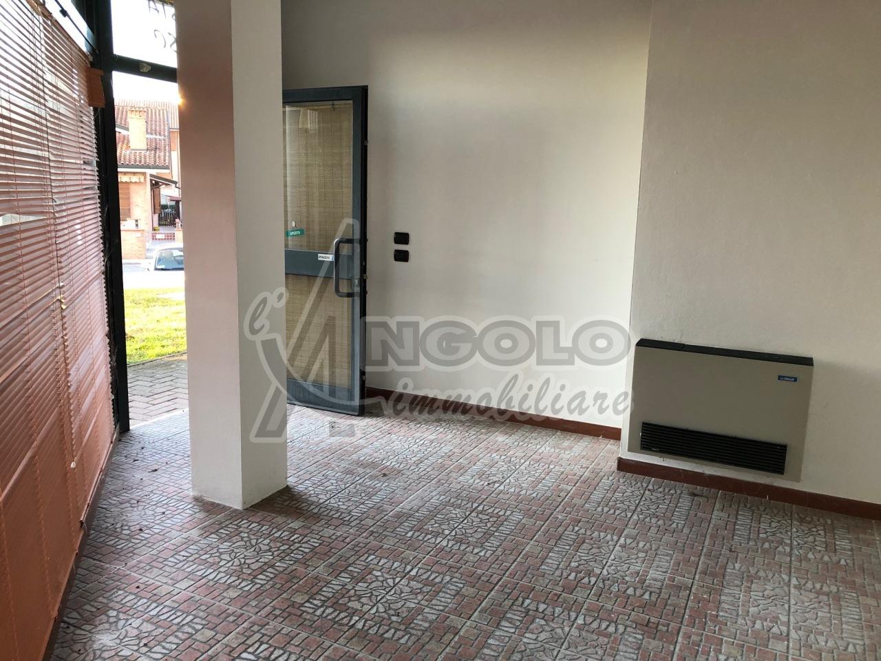 Attività / Licenza in affitto a Occhiobello, 1 locali, prezzo € 380   CambioCasa.it