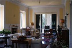 Villa in Vendita a Lucca, 500 m²