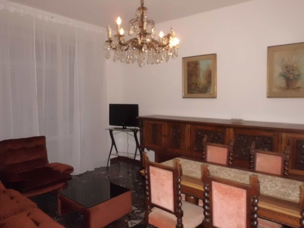 Appartamento in buone condizioni arredato in affitto Rif. 8908449