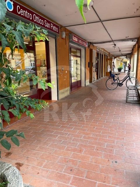 Negozio / Locale in affitto a San Pietro in Casale, 2 locali, prezzo € 950 | CambioCasa.it