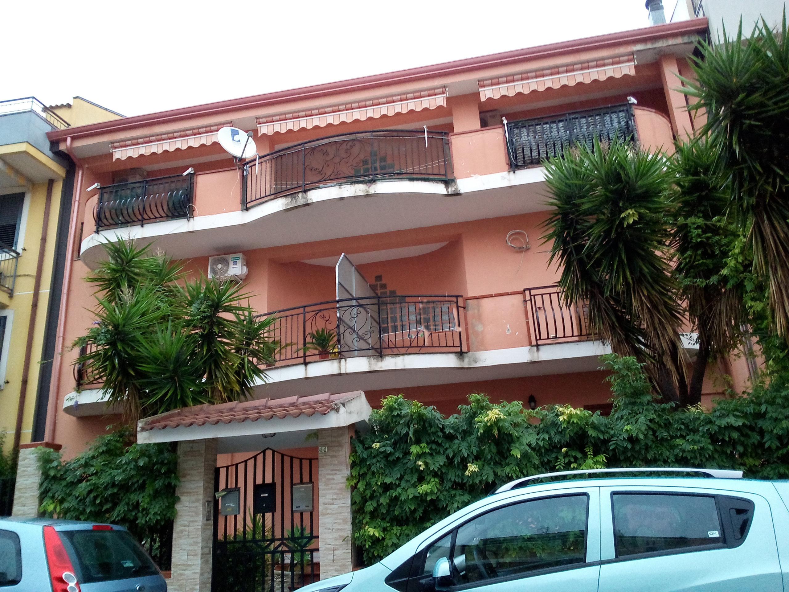 Rif af2727 appartamento arredato affitto a floridia for Affitto carpenedolo arredato
