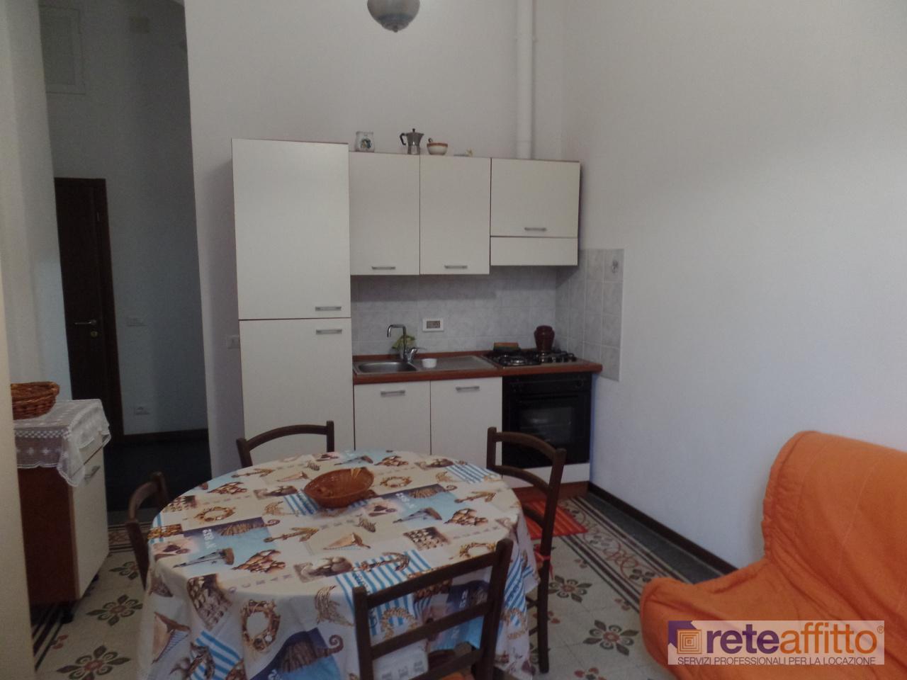 Bilocale in buone condizioni arredato in affitto Rif. 8997158
