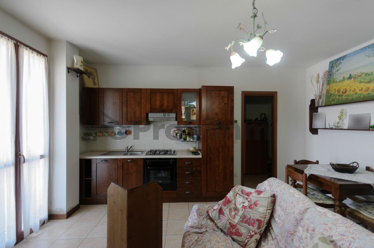 Appartamento da ristrutturare in vendita Rif. 10781354