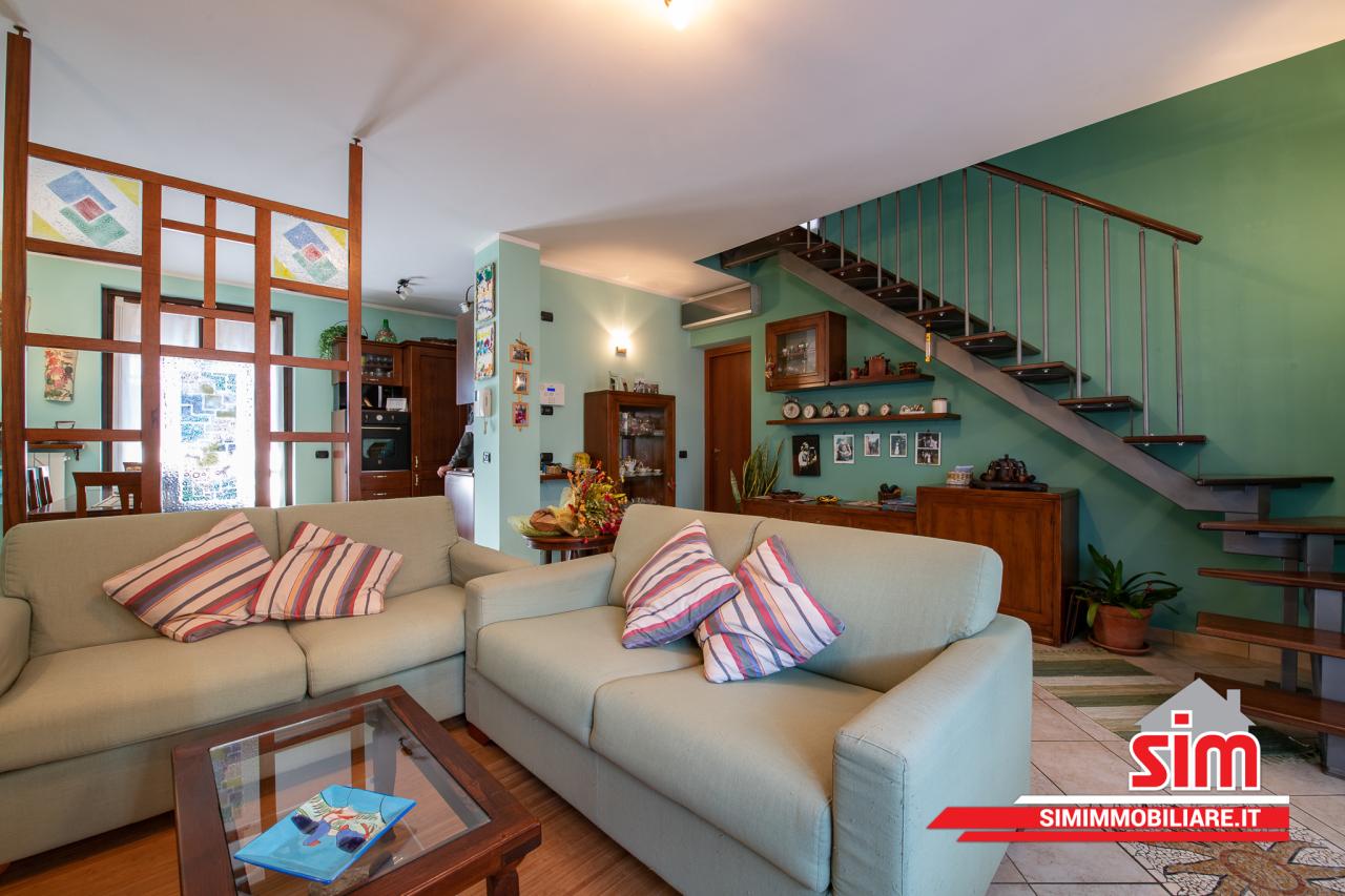 Villa in vendita a Garbagna Novarese, 3 locali, prezzo € 195.000   PortaleAgenzieImmobiliari.it