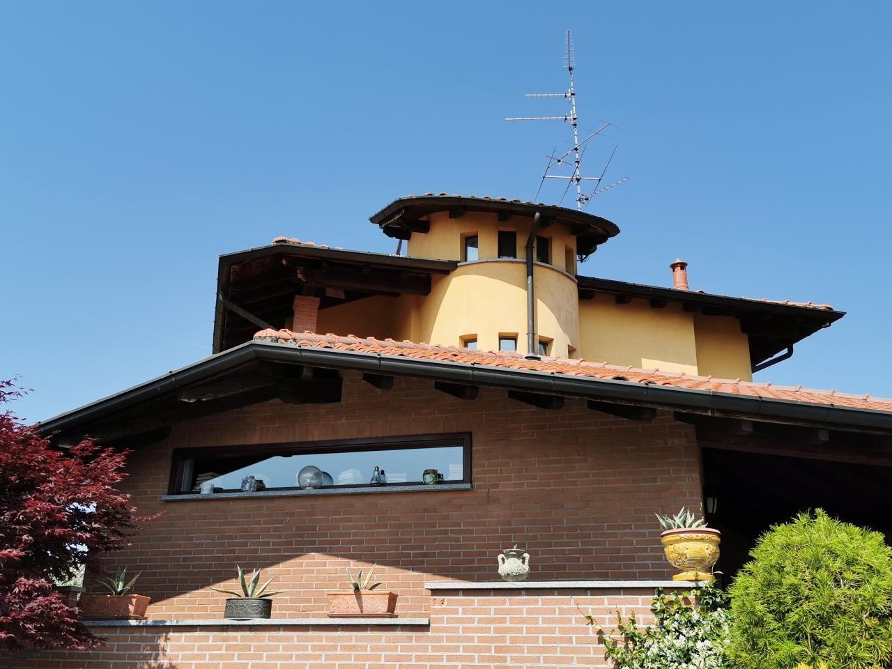 Villa in affitto a Oleggio, 3 locali, prezzo € 1.600 | PortaleAgenzieImmobiliari.it