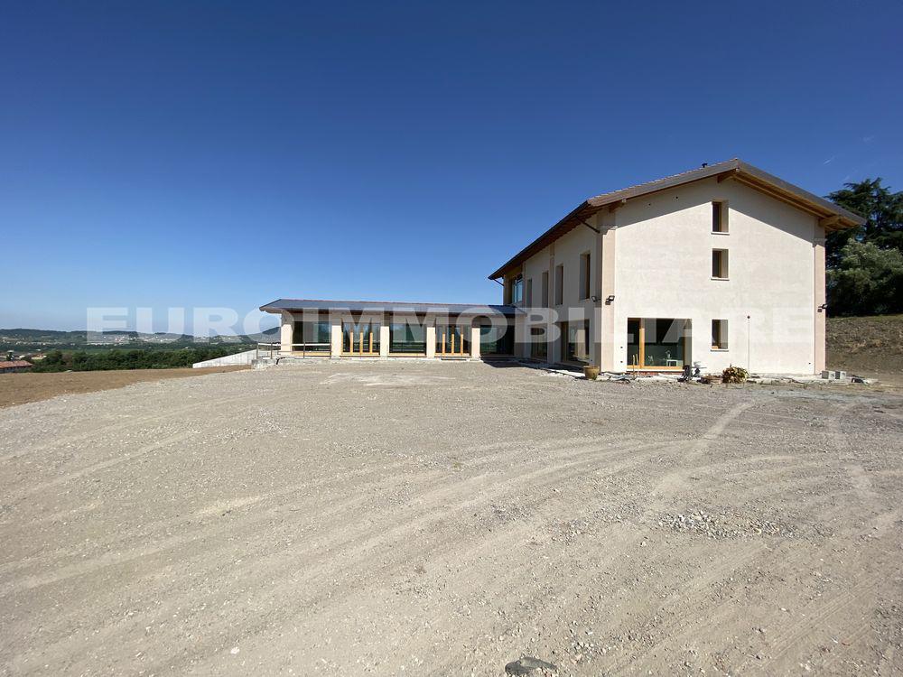 Albergo in affitto a Passirano, 20 locali, Trattative riservate   CambioCasa.it