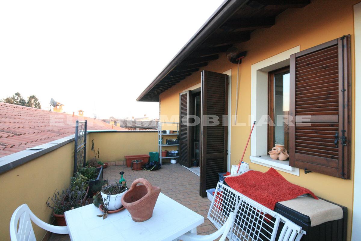 Appartamento in vendita a Castel Mella, 3 locali, prezzo € 97.000 | CambioCasa.it