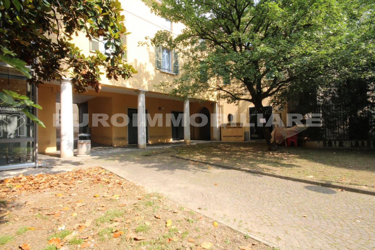 Negozio / Locale in affitto a Cellatica, 1 locali, prezzo € 350 | CambioCasa.it