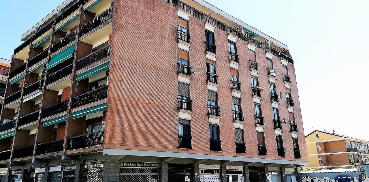 Trilocale in buone condizioni in affitto Rif. 10145859