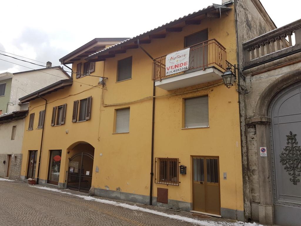 Villetta a schiera in buone condizioni in vendita Rif. 6275729