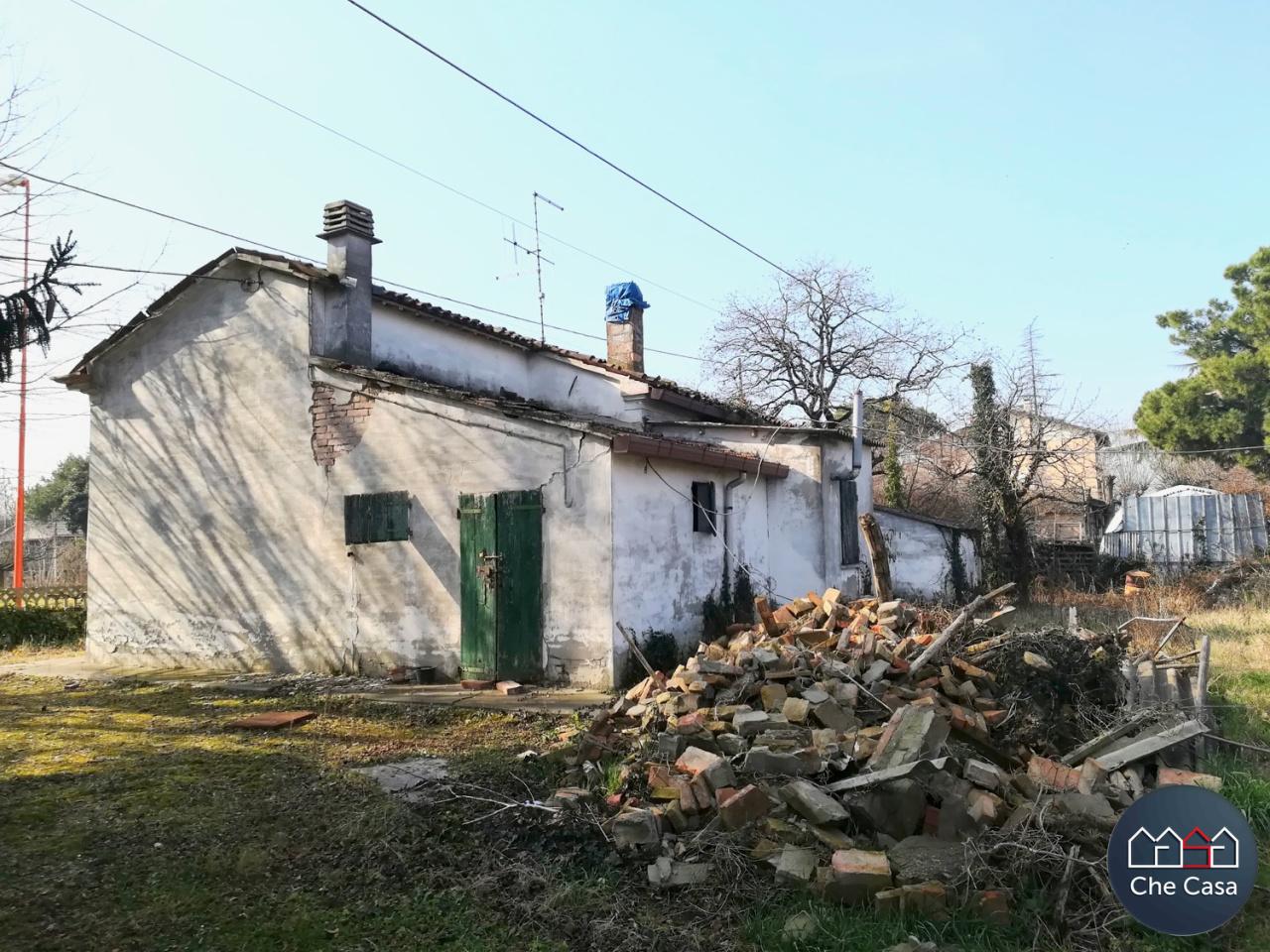 Rustico / Casale in discrete condizioni in vendita Rif. 9612335