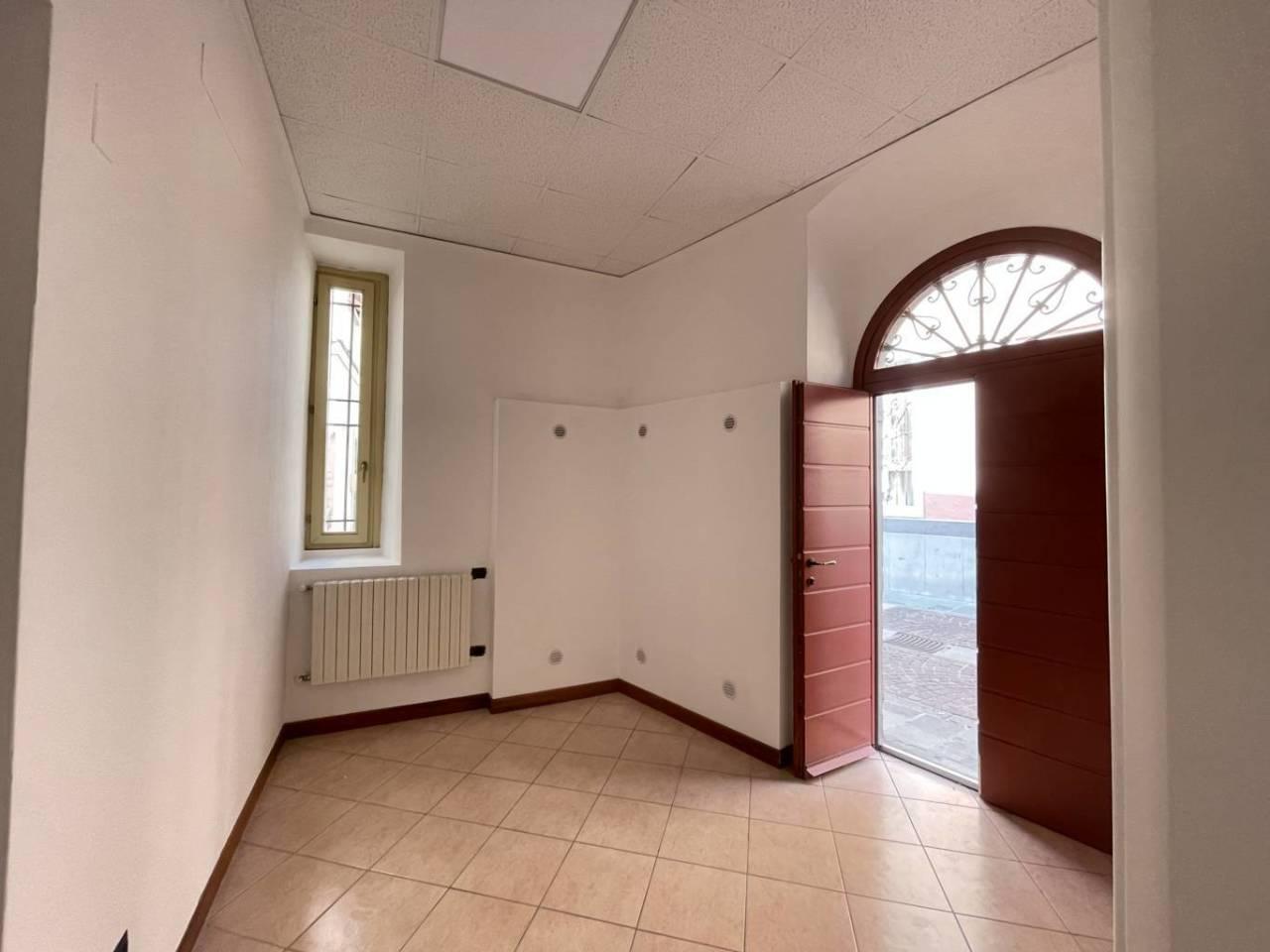 Ufficio / Studio in affitto a Chiari, 9999 locali, prezzo € 350   CambioCasa.it