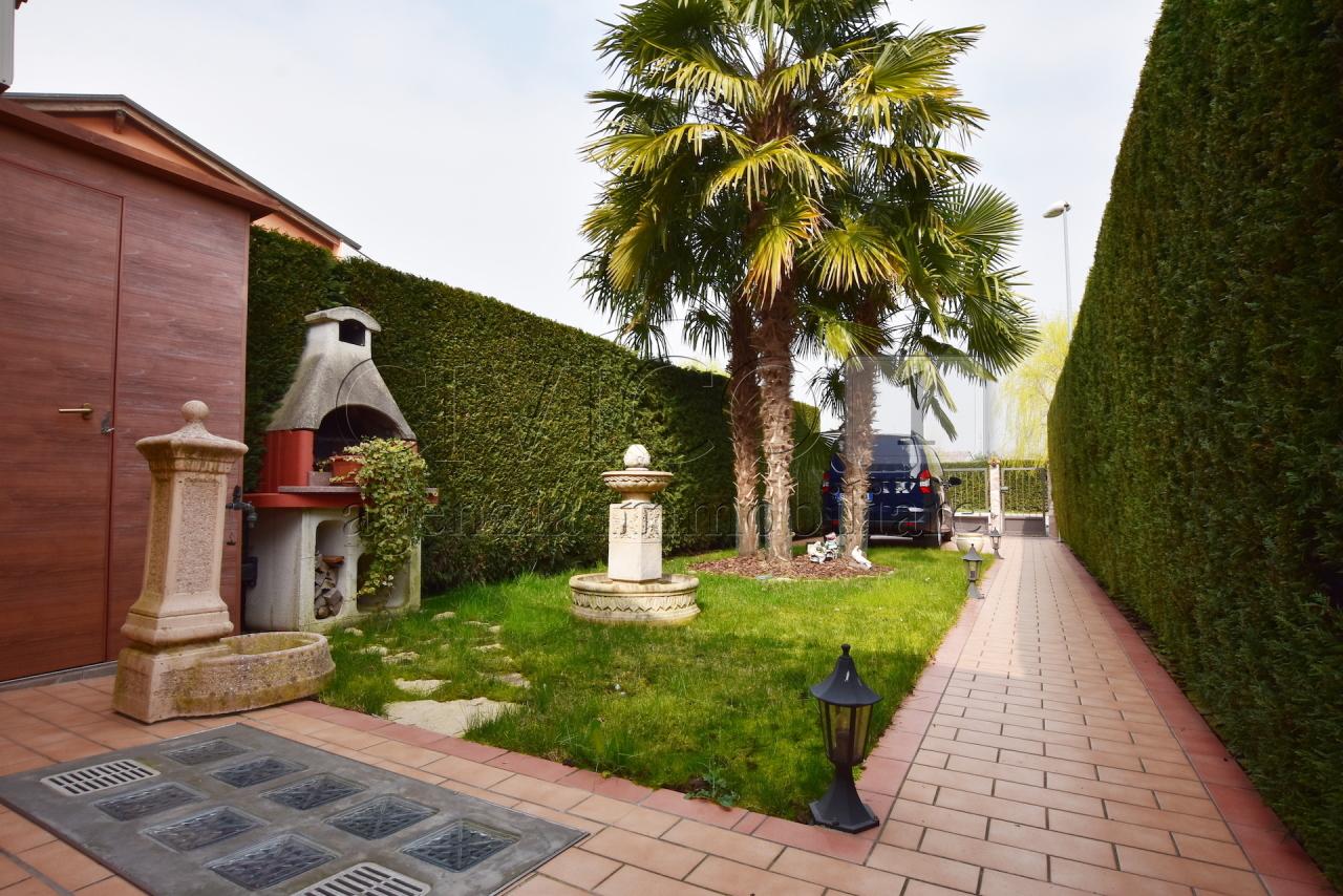 Appartamento in ottime condizioni in vendita Rif. 12340833