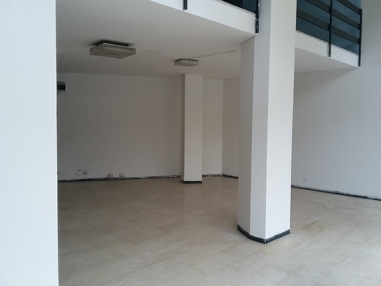 Negozio - 3 vetrine/luci a Centro, Somma Lombardo
