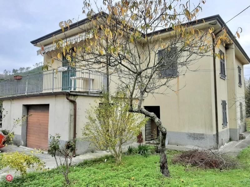 Soluzione Indipendente in vendita a Riccò del Golfo di Spezia, 8 locali, prezzo € 150.000   PortaleAgenzieImmobiliari.it