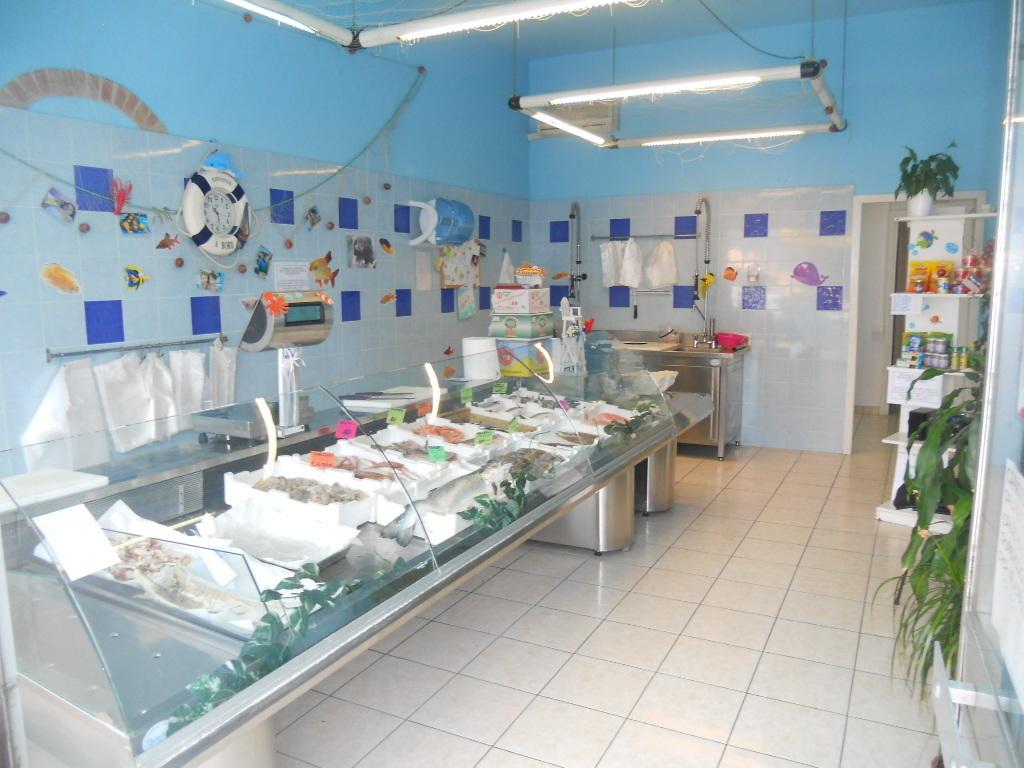 Attività / Licenza in vendita a Castelnuovo Magra, 2 locali, prezzo € 60.000 | PortaleAgenzieImmobiliari.it