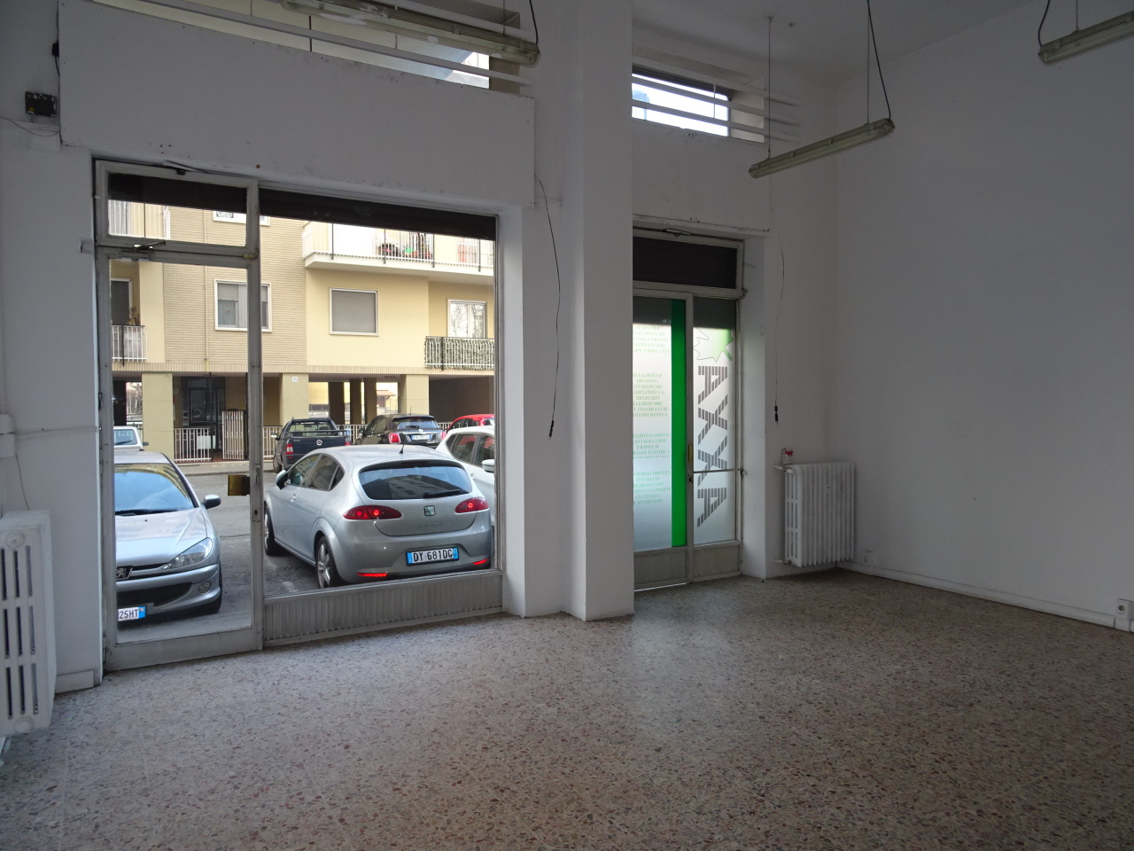 Locale commerciale - 2 Vetrine a Beinasco Rif. 10576651