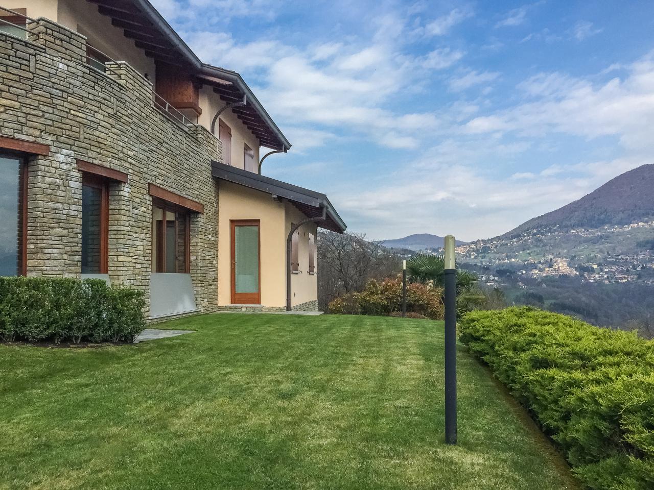 Villa in vendita a Argegno, 6 locali, prezzo € 730.000 | CambioCasa.it