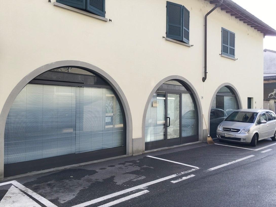 Negozio / Locale in affitto a Castrezzato, 9999 locali, prezzo € 600 | CambioCasa.it