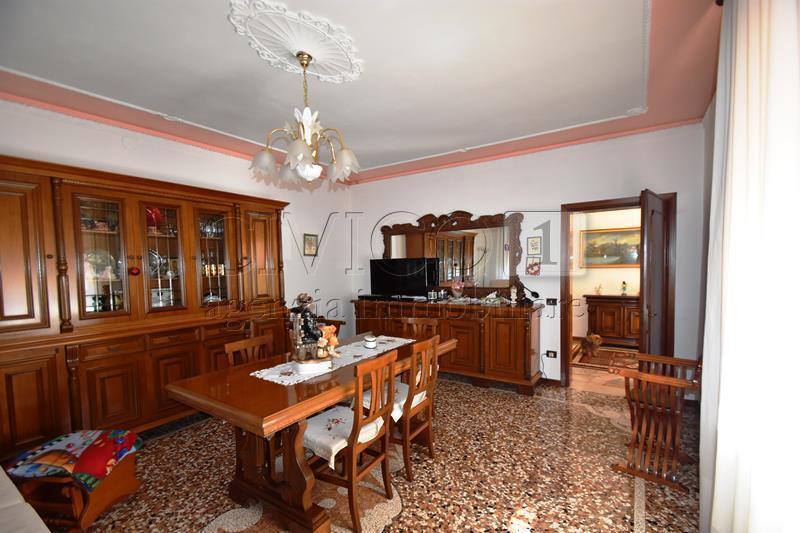 Villa da ristrutturare in vendita Rif. 10346983