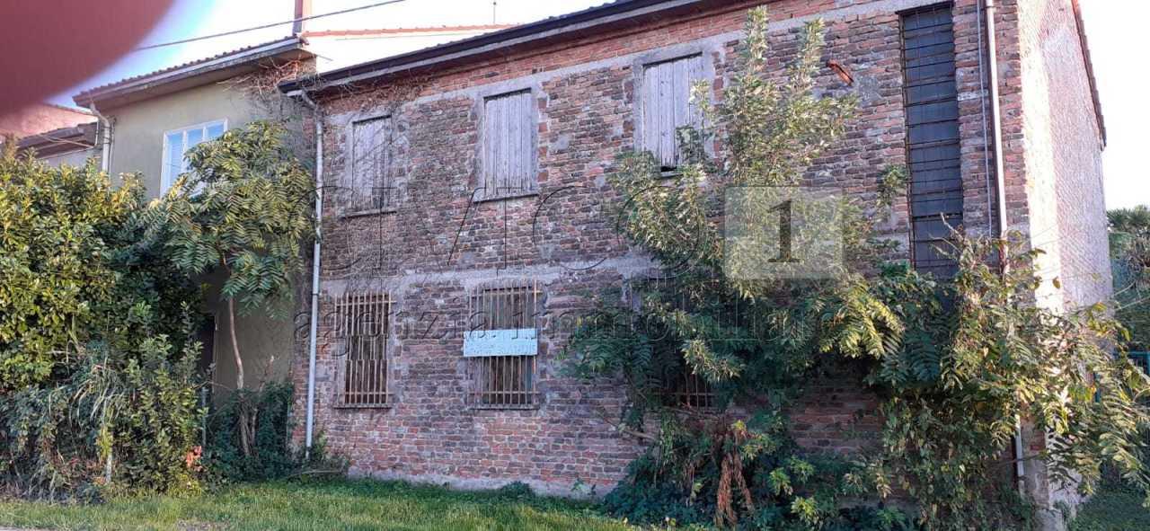Rustico / Casale in vendita a Bevilacqua, 5 locali, prezzo € 49.000 | CambioCasa.it