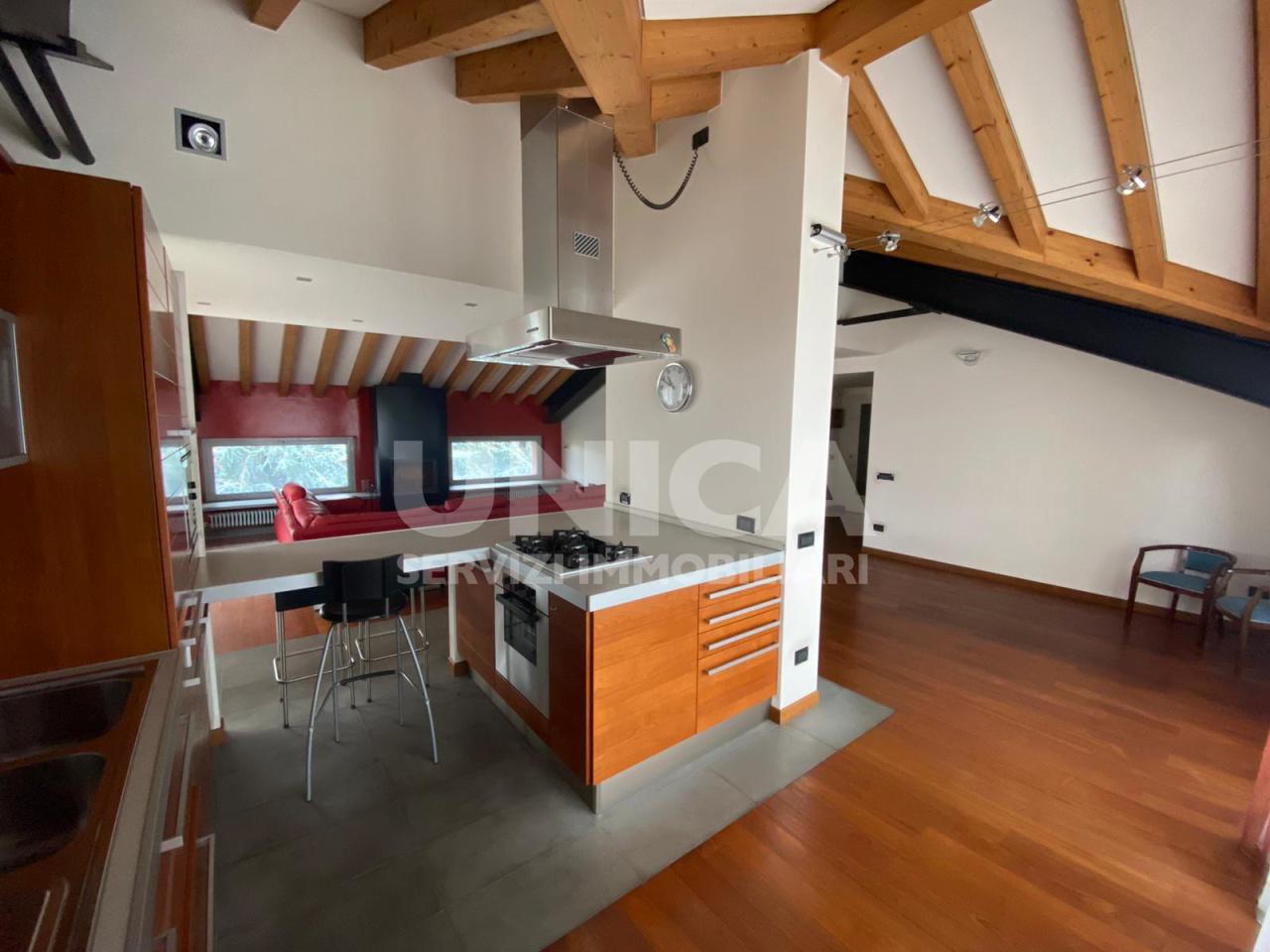 Attico / Mansarda in vendita a Curno, 4 locali, prezzo € 305.000 | PortaleAgenzieImmobiliari.it