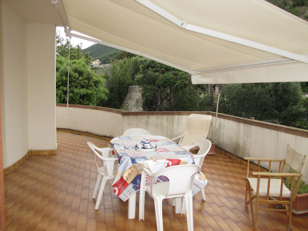 Appartamento in buone condizioni arredato in affitto Rif. 5959728