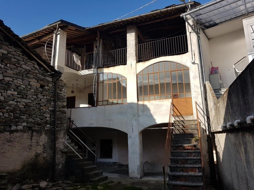 Rustico / Casale in discrete condizioni in vendita Rif. 11316532